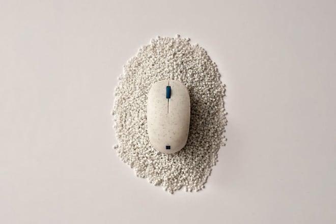 Ocean Plastic Mouse, czyli ekologiczna myszka Microsoftu - Instalki.pl